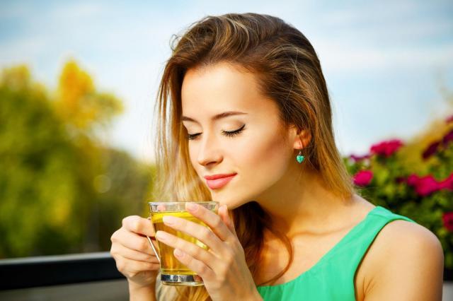O herbacie słów kilka: Poznaj właściwości zdrowotne różnych rodzajów herbaty