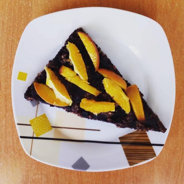 Przepis na kakaową tartę z owocami