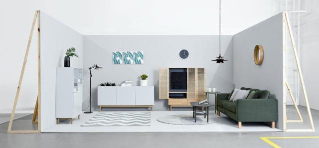Telewizor w salonie – chować czy eksponować?