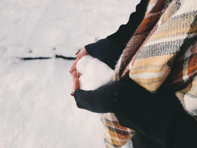 8 powodów, dla których ta zima będzie idealna do znalezienia miłości