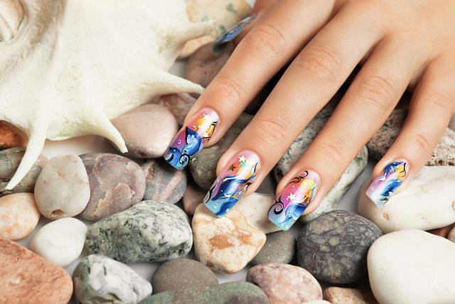 Który kształt paznokci będzie dla Ciebie odpowiedni?
