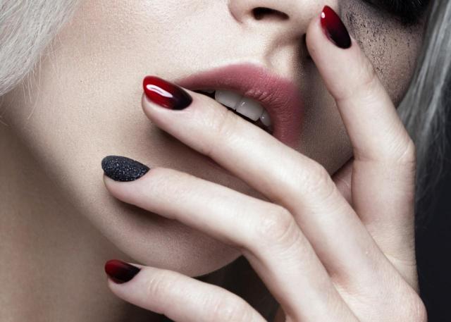 5 rzeczy, które musisz poznać mając paznokcie akrylowe