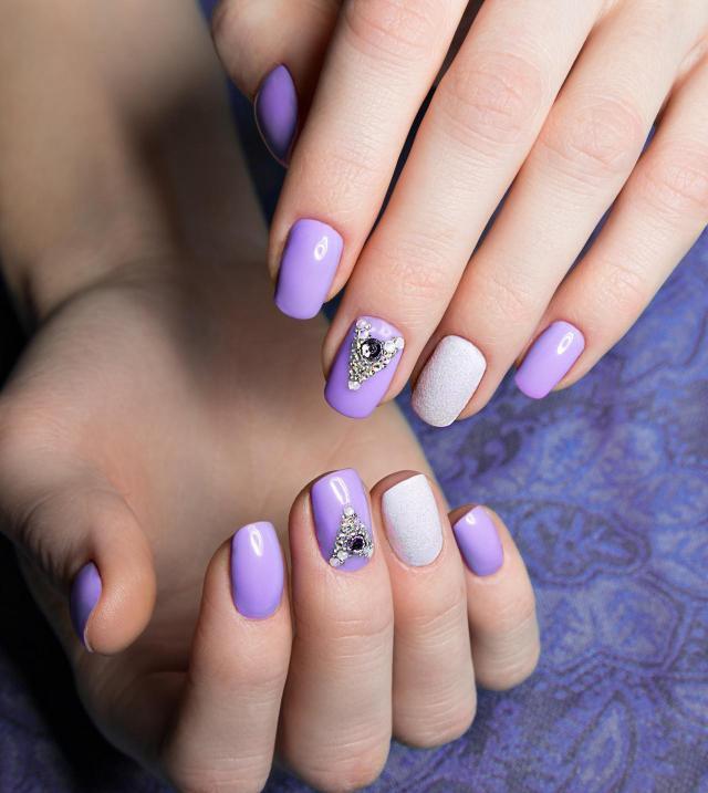 modne kolory paznokci, paznokcie porady