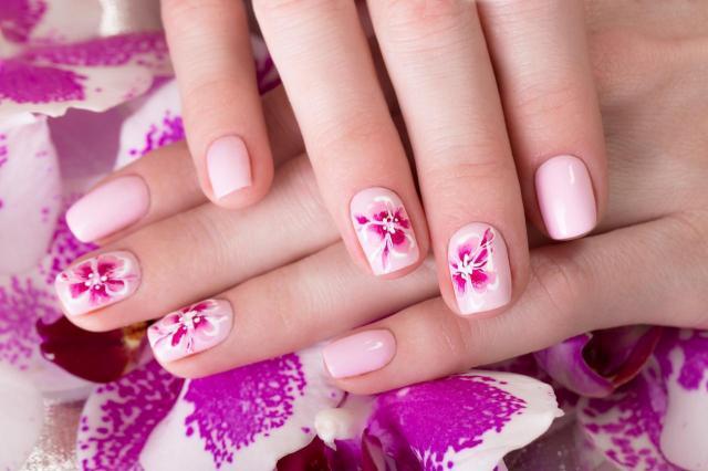 paznokcie porady, modne kolory paznokci