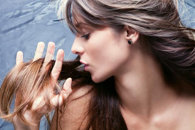 Jak przyspieszyć porost włosów? 5 skutecznych metod!