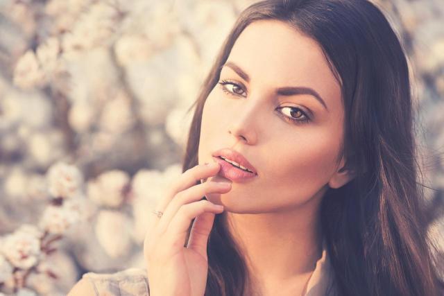 7 błędów w makijażu oczu, które prawdopodobnie popełniasz