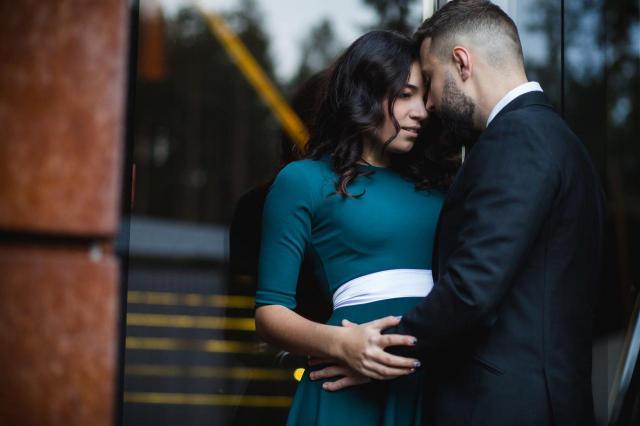 7 oznak zbyt mocnego zaangażowania w związek. To może go zniszczyć!