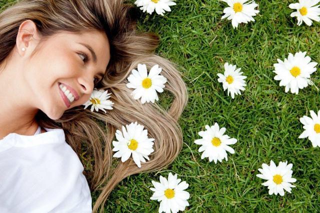 Jak zadbać o włosy zimą, aby wiosną zachwycały?