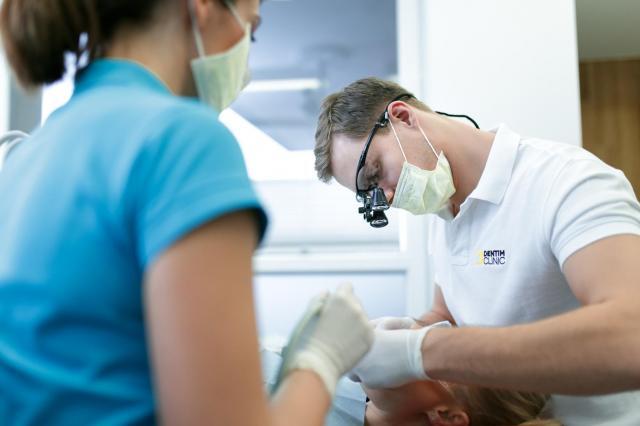 próchnica, ból zęba, żeby, material prasowy