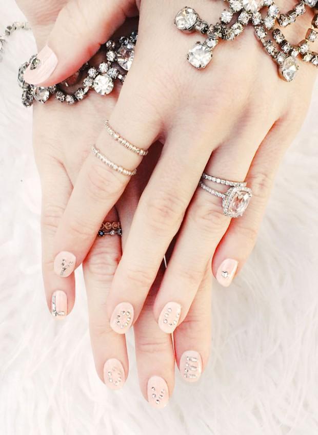 Jak odbudować paznokcie po zimie?