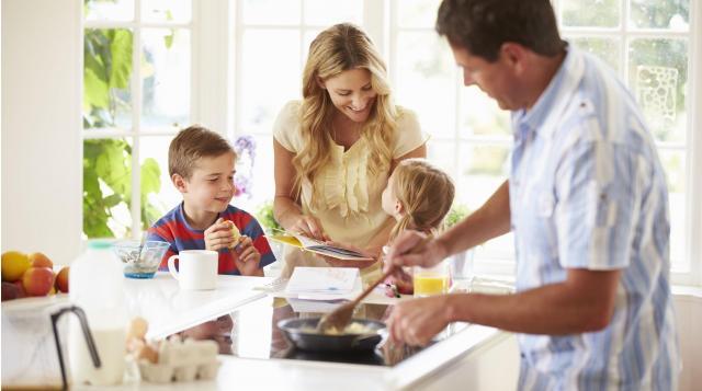 Jak rozmawiać z dzieckiem? Pytania, które zachęcają je do rozmowy