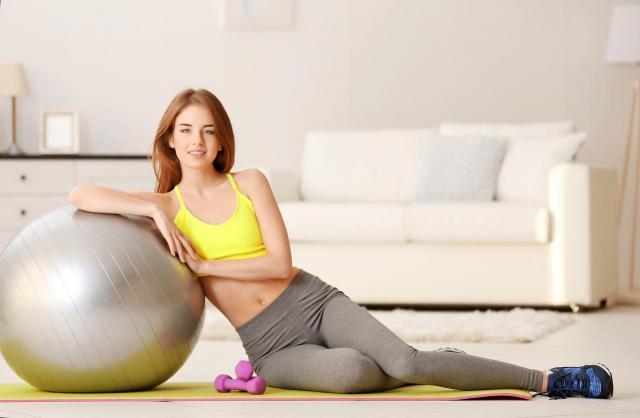 4 ćwiczenia dla kobiet, które chcą mieć smukłą sylwetkę