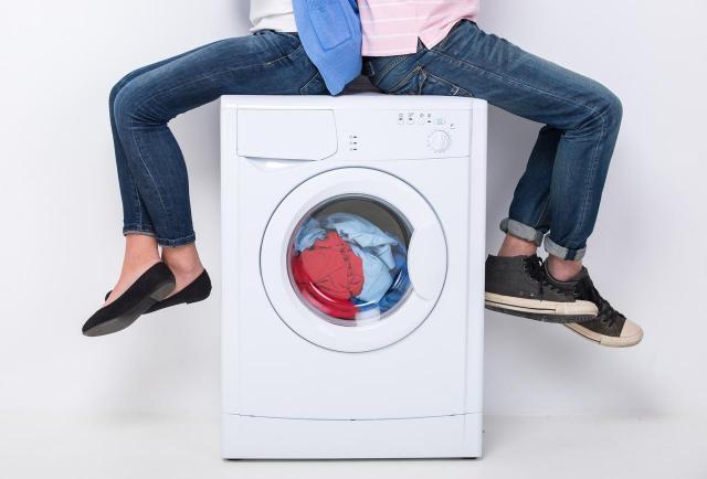 Pranie ubrań w 90 stopniach – jakie tkaniny?