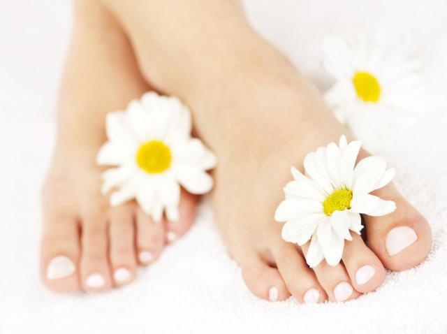 Zasady prawidłowej pielęgnacji skóry na stopach  - będą wyglądać pięknie!