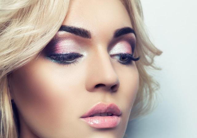 makijaż wieczorowy, makijaż, makijaż dla blondynek, makijaż smoky eyes