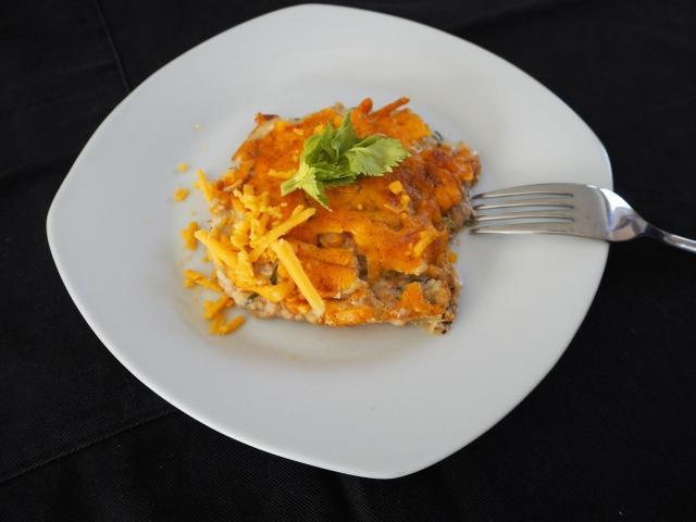 Zapiekanka z tuńczykiem, selerem naciowym i serem cheddar