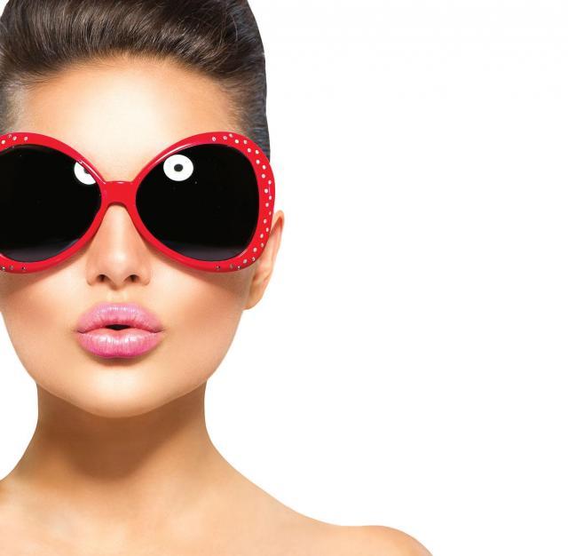 Letni makijaż: Jak pielęgnować usta latem?