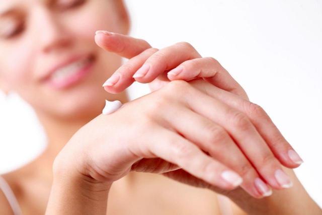 skóra, zadbane dłonie, pielęgnacja dłoni