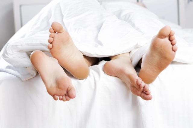 3 sygnały, które on Ci wysyła, kiedy chce iść z Tobą do łóżka