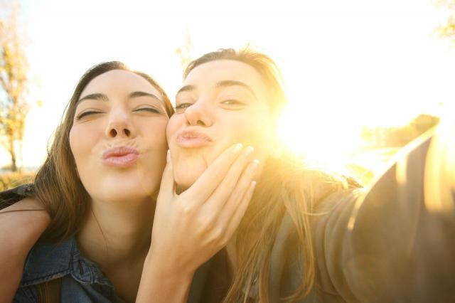Kłamstwo w przyjaźni — jak uniknąć wielkiego rozczarowania.
