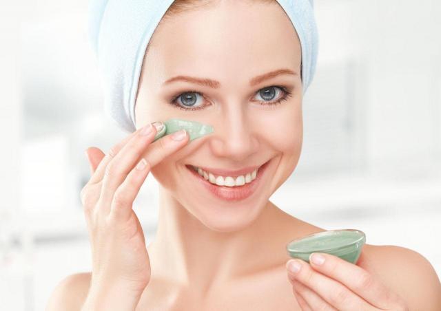 5 pielęgnacyjnych sekretów skóry twarzy, które działają