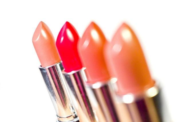 4 najlepsze kolory szminek, które mężczyźni uwielbiają