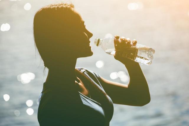 5 rzeczy, które musisz wiedzieć o wodzie butelkowanej