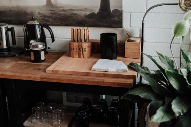 Wąska kuchnia - jak funkcjonalnie zaaranżować przestrzeń?