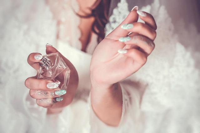 Kultowe zapachy perfum w korzystnych cenach. Nie przepłacaj i sprawdź!