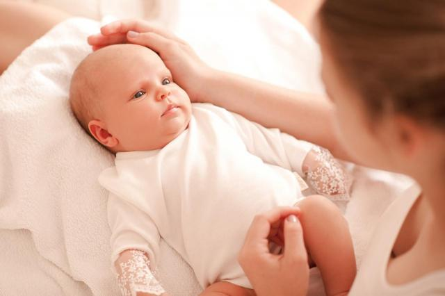 Poradnik samotnej matki: Z jakiej pomocy możesz korzystać?