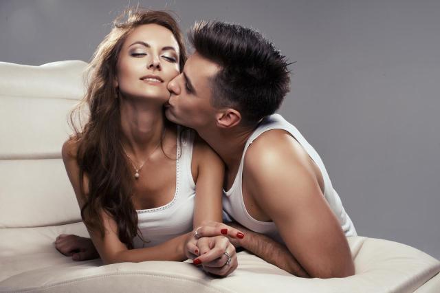 3 sprośne rzeczy, które mężczyźni uwielbiają w kobiecie