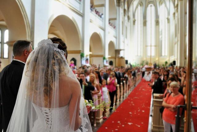 4 przesądu ślubne, które mogą zniszczyć Twój ślub