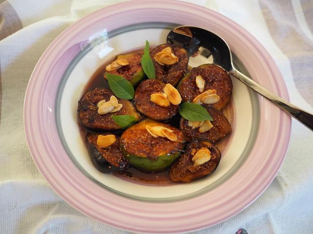 Smażone figi z sosem muscat