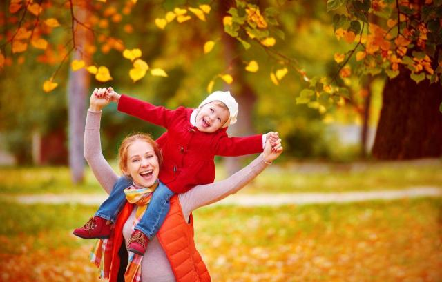 5 pomysłów na magiczną jesień z dzieckiem