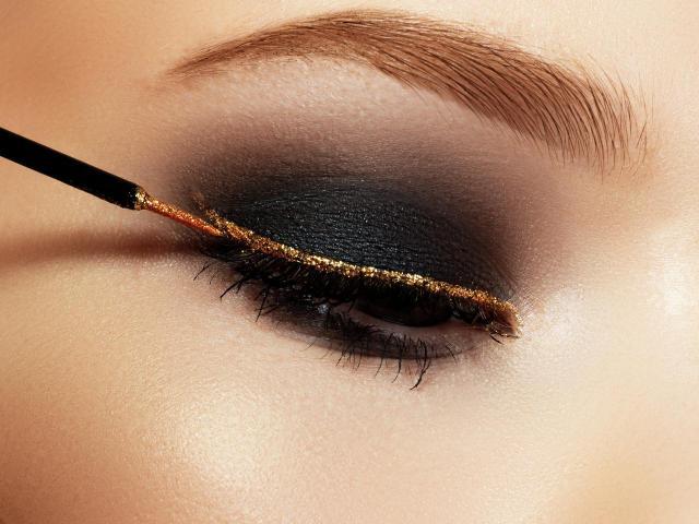 5 małych błędów w makijażu oczu, które są najgorsze