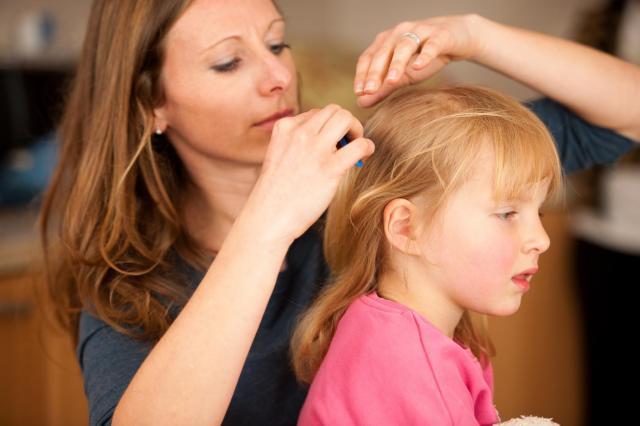 Czy Twojemu dziecku wypadają włosy? Może cierpieć na niedobór witaminy B5
