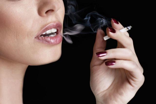 4 rzeczy, które są groźniejsze od palenia. Spodziewałaś się?