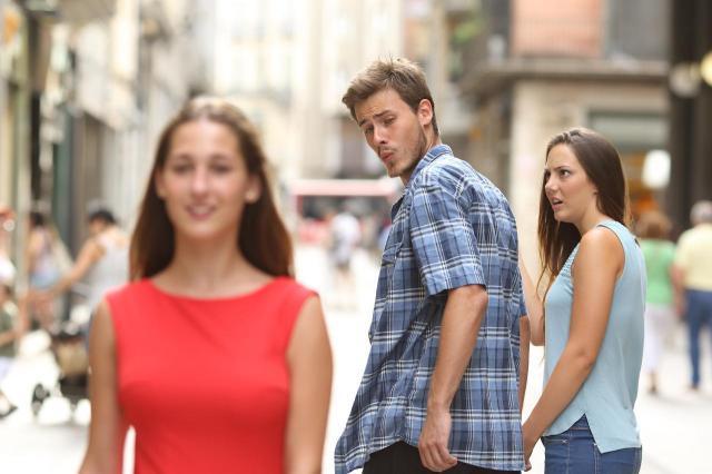 Dlaczego on ciągle spogląda na inne kobiety? Czy to już zdrada?