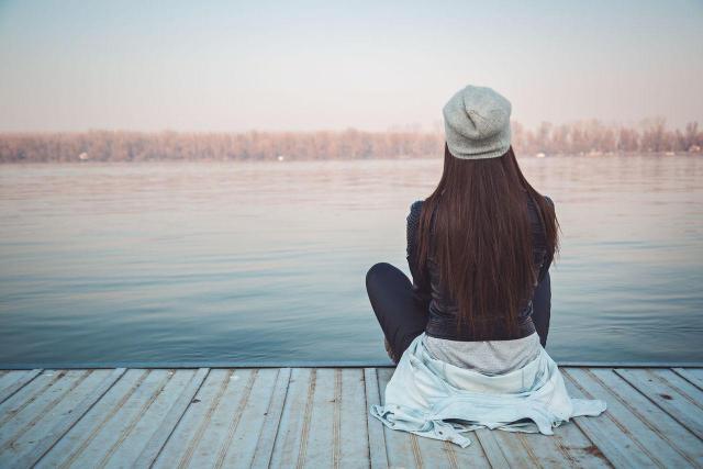4 niebezpieczeństwa, które niesie ze sobą samotność
