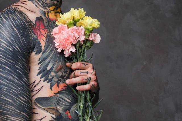 Znaczenie Tatuażu Róża Co Oznacza Tatuaż Kwiat Róży Kobieceporadypl