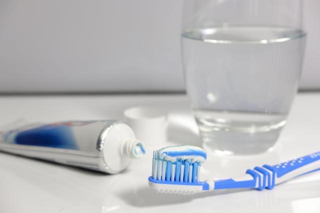 3 sprawdzone metody na wybielanie zębów