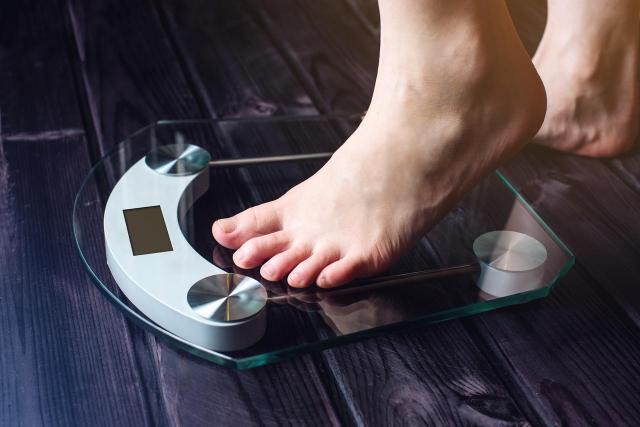 3 dietetyczne triki, które pomogą Ci schudnąć w nowym roku