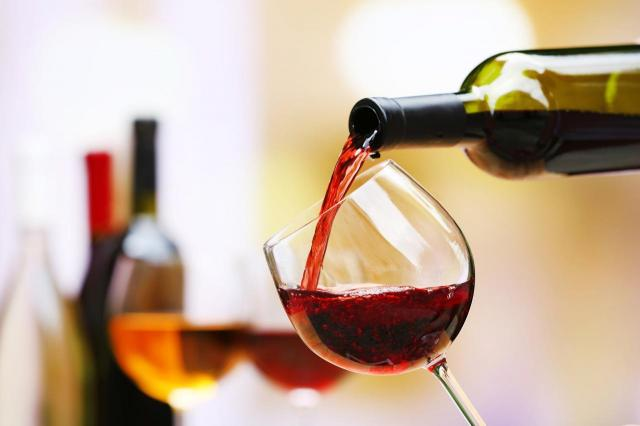 Dlaczego lepiej nie łączyć alkoholu z lekami? - to może mieć bardzo złe skutki!