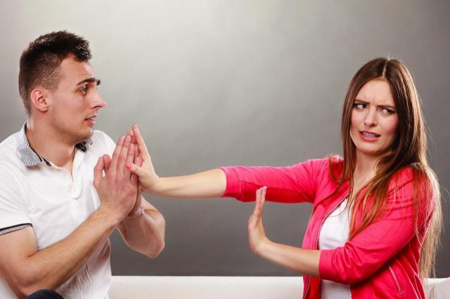 Brak szacunku ze strony mężczyzny - po tym powinnaś zerwać!