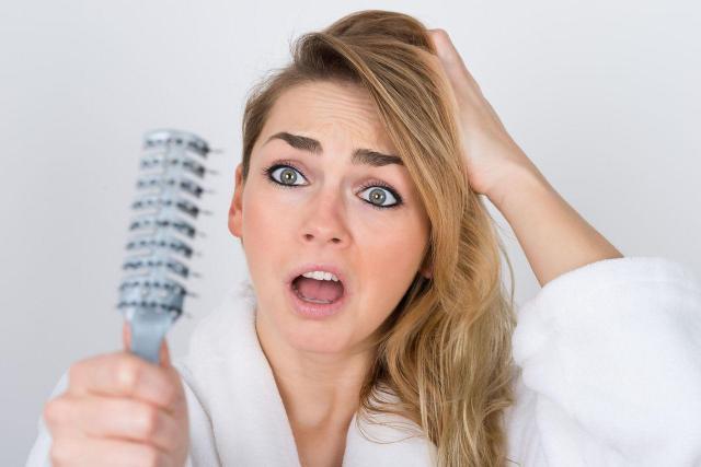 Jak zapobiegać wypadaniu włosów? - Sprawdzone metody