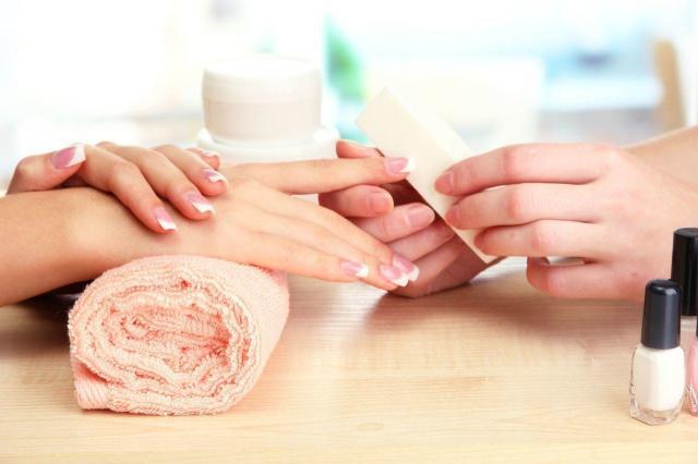 3 śmiercionośne choroby, których możesz się nabawić u kosmetyczki!