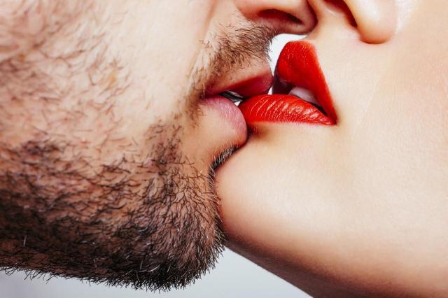 Potrzeby seksualne facetów po 40, które mogą być krępujące