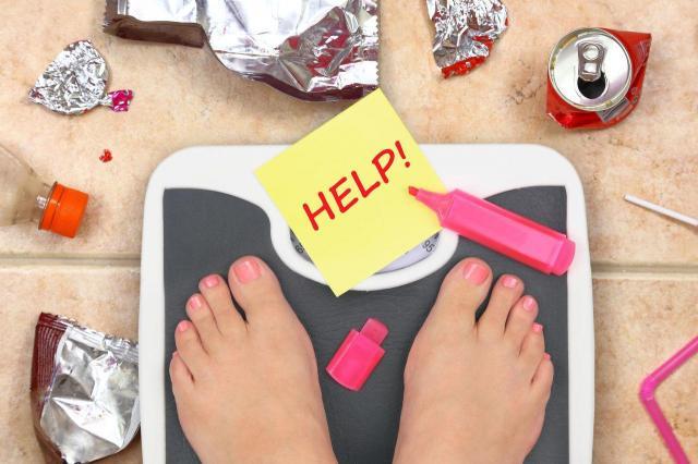 Jakie produkty wykluczyć z diety po 40? One powodują tycie!