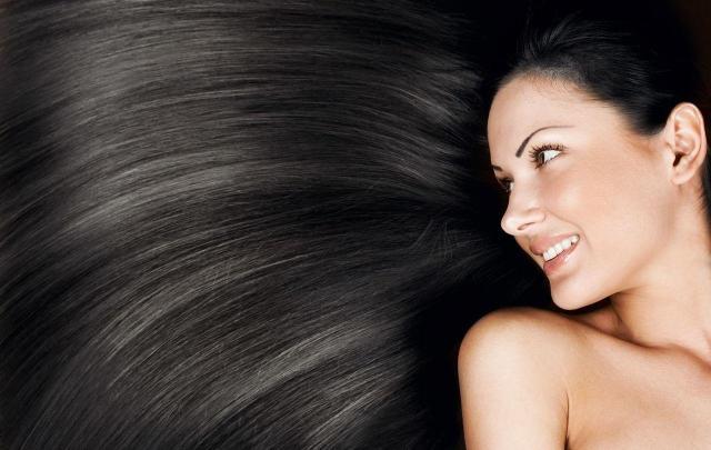 Włosy nie rosną. Poznaj naturalne sposoby na ich porost!