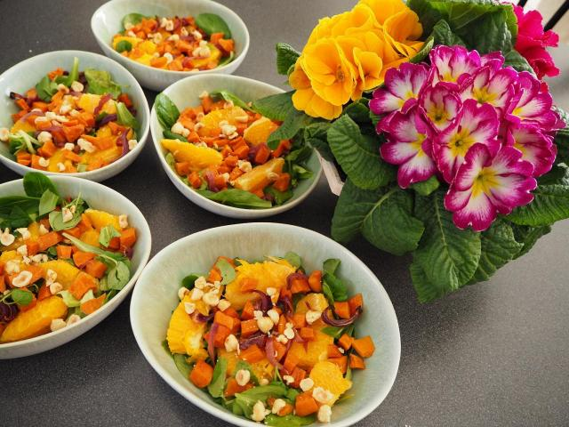 Sałatka z batatów i pomarańczy